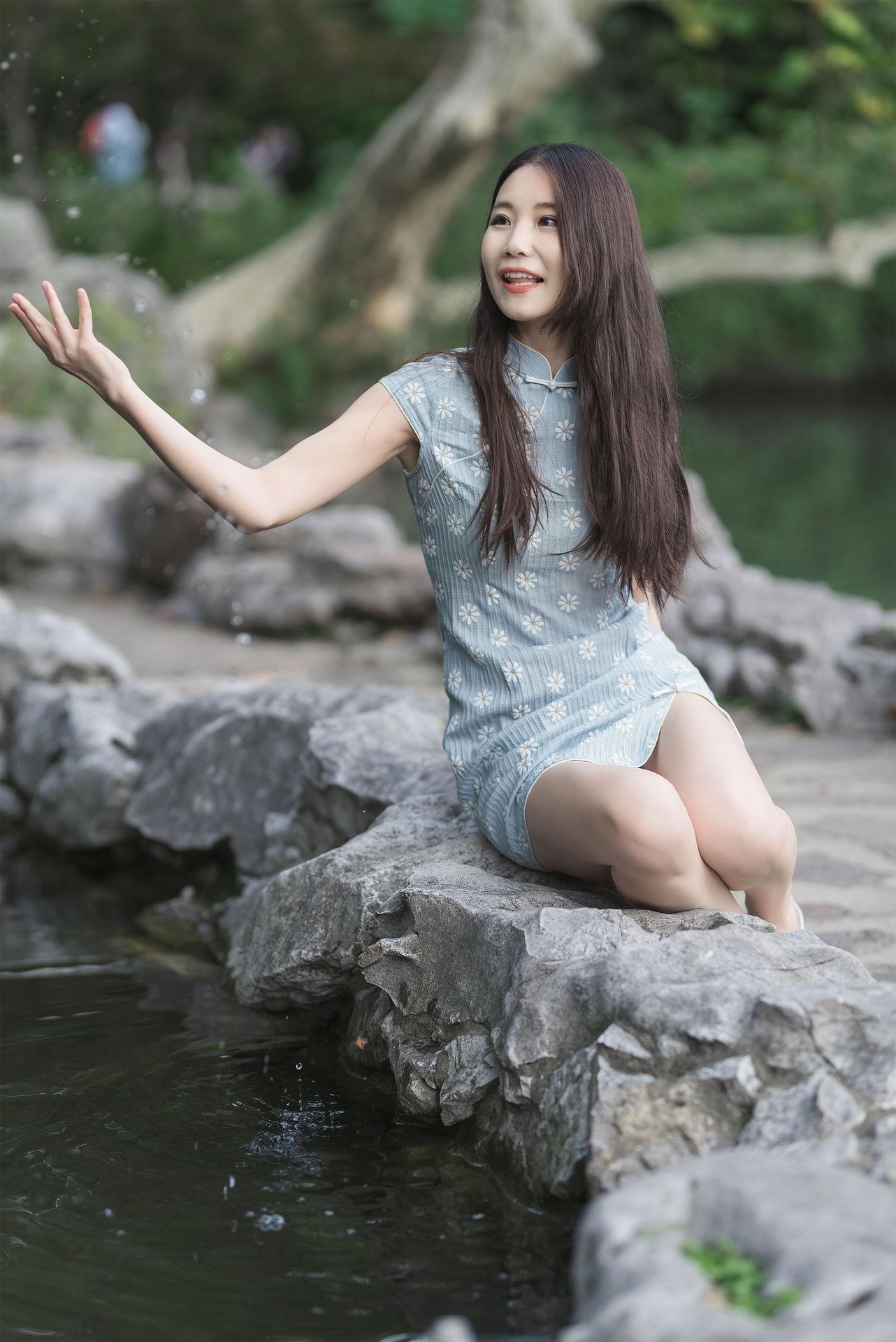 2018-10-20 思南路 好身材美女街拍_攝影師白卓的返片