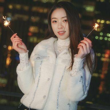 2019-01-21 天台夜景情绪人像_摄影师艺馨的返片