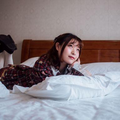 2019-01-24 咖啡店 旅拍 小裙子_攝影師Anima的返片